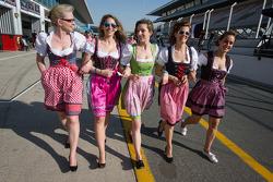 Bavarian - Garotas austríacas nos boxes