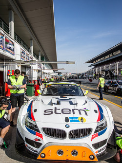 #8 Triple Eight, BMW Z4 GT3: Lee Mowle, Joe Osborne, Jacques Duyver, Charlie Hollings