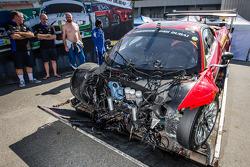 #4 Scuderia Praha 法拉利458 Italia GT3严重撞车之后