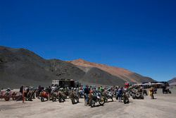 Motocicletas en el campamento