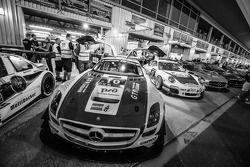 #10 GTRussian Mercedes SLS AMG GT3