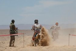 Motocicletas en punto de reposte de combustible