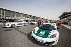 Coches de la policía de Dubái: Mercedes AMG SLS, Audi R8, McLaren MP4-12C y Ferrari FF