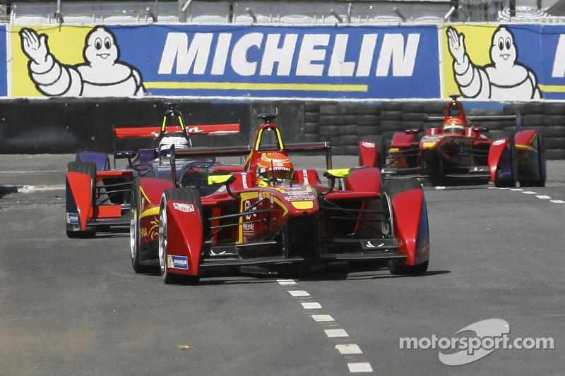 Nelson Piquet jr., China Racing Formula E Team; Sam Bird, Virgin Racing Formula E Team, und Ho-Pin T