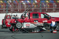 #50 Fifty Plus Racing Endures for a Cure/Highway to Help Race Team Riley BMW: Byron DeFoor choca fue