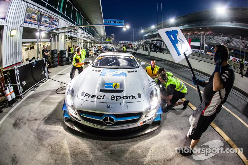 #18进站,Preci - Spark梅赛德斯 SLS AMG GT3: David Jones, Godfrey Jones, Philip Jones, Gareth Jones, Morgan