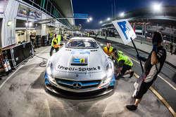 #18进站,Preci - Spark梅赛德斯 SLS AMG GT3: David Jones, Godfrey Jones, Philip Jones, Gareth Jones, Morgan