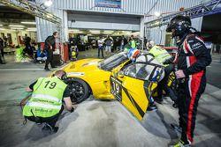 Arrêt au stand : #19 V8 Racing Chevrolet Corvette C6R ZR1: Rick Abresch, Alex van 't Hoff, Wolf Nathan, Nicky Pastorelli, Miguel Ramos