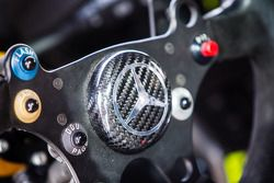 #18 volante del coche de Preci - Spark Mercedes SLS AMG GT3