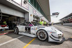 #1 Stadler Motorsport Porsche 997 GT3 R: Mark Ineichen, Rolf Ineichen, Adrian Amstutz, Christian Eng