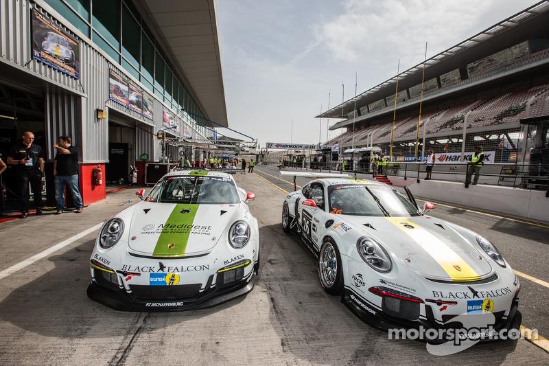 #25 Black Falcon Porsche 991 Cup en #26 Black Falcon Porsche 991 Cup