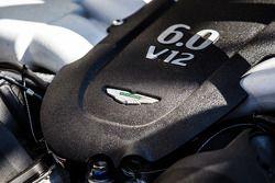 #28 KPM Racing Aston Martin Vantage GT3 detalhe do motor