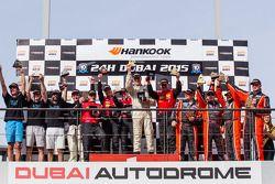 A5 podium: class winners Bernd Küpper, Martin Kroll, Chantal Kroll, Sarah Toniutti, Hal Prewitt, sec