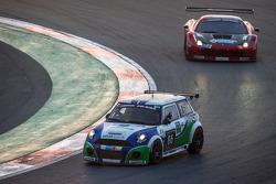 #86 Besaplast Racing Mini Cooper S JCW: Franjo Kovac, Fredrik Lestrup, Kai Jordan, Henry Littig, Hei