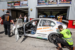 Pit stop per # 90 Car Point S da corsa Schmieglitz Seat Leon Supercopa: Daniel Schmieglitz, Cyndie A