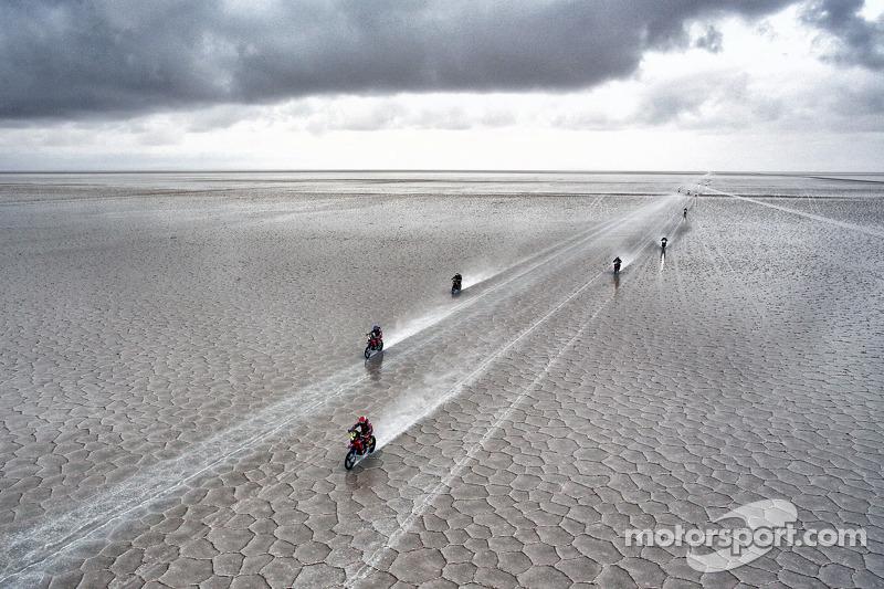 Maratón Etapa 8: 14 de enero, Uyuni – Tupiza 584 km motos y coches (498 de especial)/558 camiones (380 de especial)