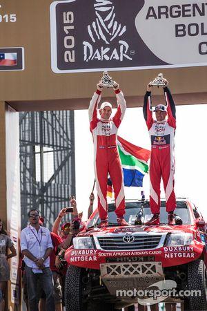 Car category podium: second place Giniel de Villiers, Dirk von Zitzewitz