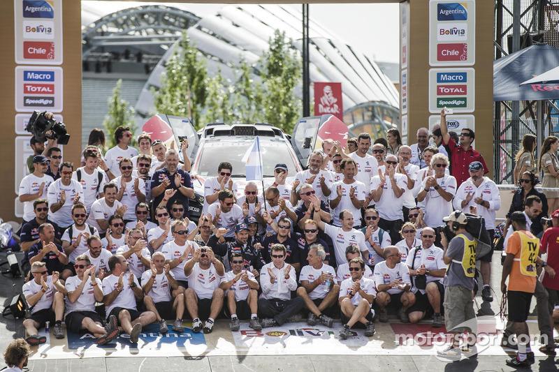 Car category подіум: Peugeot team