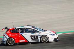 #95 Memac Ogilvy Duel Racing, SEAT Leon Supercopa LR: Ramzi Moutran, Nabil Moutran, Sami Moutran, Ph