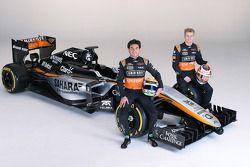 Sergio Pérez y Nico Hulkenberg con la presentación de los colores del Sahara Force India 2015