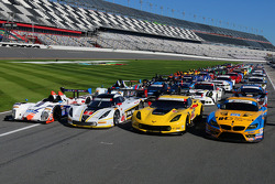 صورة جماعية لسيارات بطولة تودور يونايتد سبورتسكار