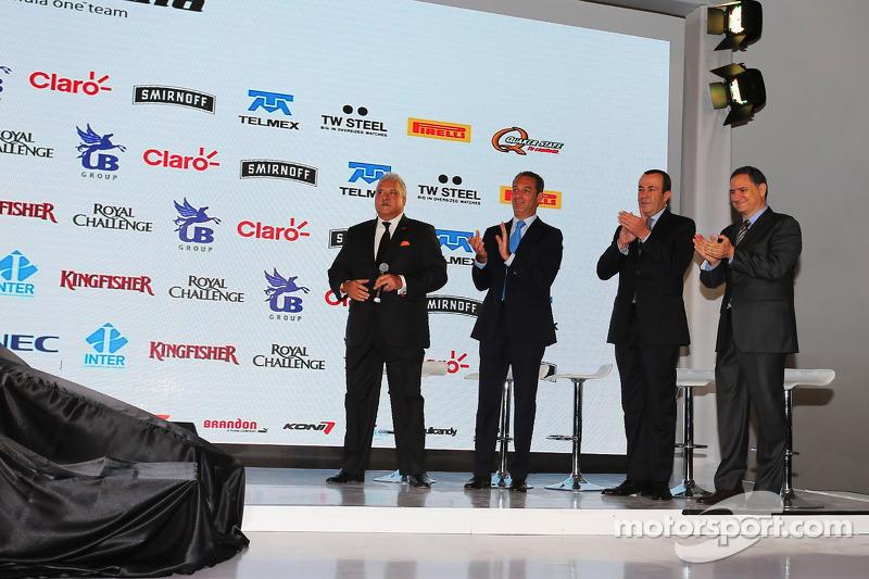 (da sinistra a destra): Dr. Vijay Mallya, titolare della Sahara Force India F1 Team con Carlos Slim, imprenditore; Francisco Maass Pena, Viceministro del Turismo; Alejandro Soberon, CEO della Corporacion Interamericana