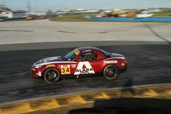 #34 Alara Racing Mazda MX-5: Christian Szymczak, Devin Jones