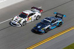 #912 Porsche North America Porsche 911 RSR: Jörg Bergmeister, Earl Bamber, Frederic Makowiecki, #23
