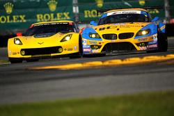 #4 Corvette Racing, Chevrolet Corvette C7.R: Oliver Gavin, Tommy Milner, Simon Pagenau und #97 Turne