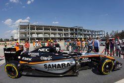 Force India 2015 renk düzeni