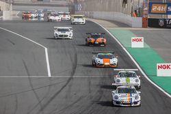 Pace lap: #7 Lechner Racing Middle East Porsche 991 Cup: Fahad Algosaibi, Clemens Schmid, Klaus Bach