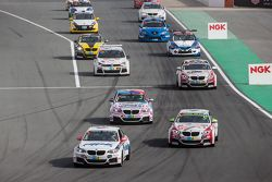 Vuelta encadenada: #74 MPB Racing Team BMW M235i Racing Cup: Matias Henkola, Stephan Kuhs, Bernhard