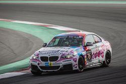 #76 Racingdivas by Las Moras BMW M235i Racing Cup: Liesette Braams, Sandra van der Sloot, Gaby Uljee