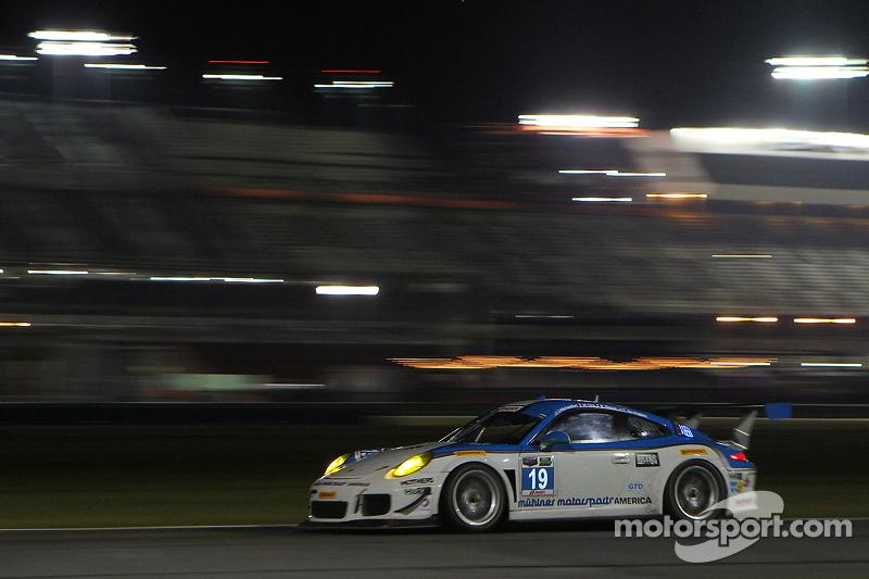 #19 Muehlner Motorsports America, Porsche 911 GT America: Jim Michaelian, Matteo Beretta, Connor de Phillippi