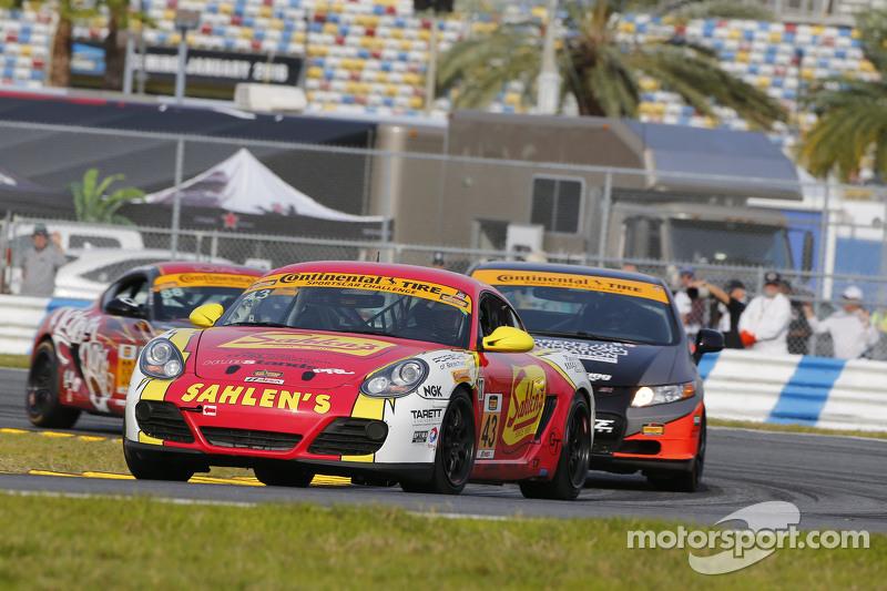 #43 Team Sahlen, Porsche Cayman: Will Nonnamaker, Joe Sahlen, Wayne Nonnamaker, Jeff Segal