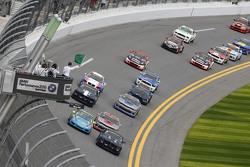 #15 Multimatic Motorsports, Mustang Boss 302R: Billy Johnson, Scott Maxwell und #13 Rum Bum Racing,