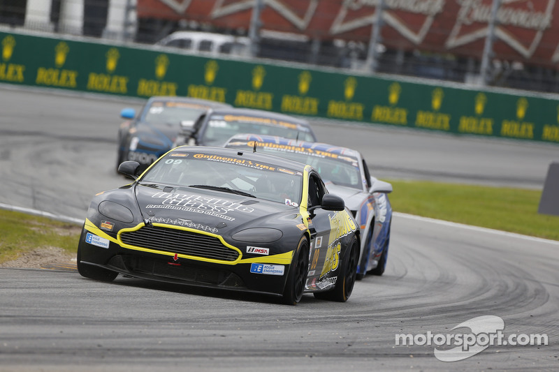 #09 Automatic Racing, Aston Martin Vantage: Rod Randall, Ken Wilden