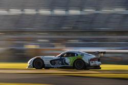 #33 Riley Motorsports SRT Viper GT3-R: Ben Keating, Al Carter, Jeroen Bleekemolen, Sebastiaan Bleeke