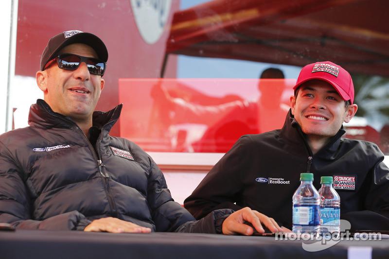Tony Kanaan和Kyle Larson