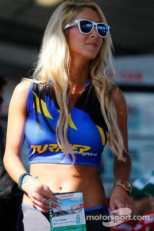 Mooie Turner Motorsports meid