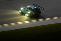 # 17 فريق فالكن تاير بورشه 911 جي تي3 آر إس آر: وولف هنزلر، برايان سيليرز، باتريك لونغ