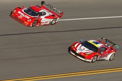 #31 Action Express Racing Corvette DP: Eric Curran, Dane Cameron, Max Papis, #49 AF Corse Ferrari 45