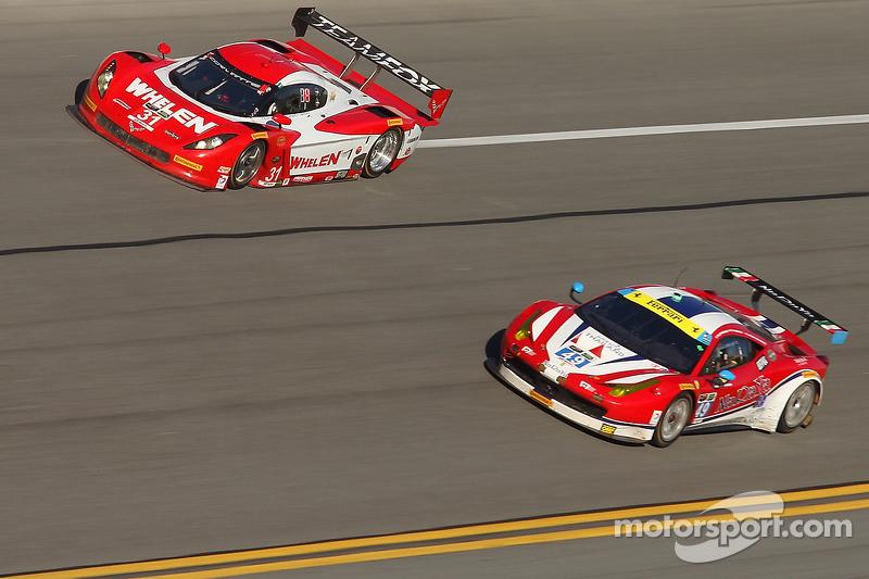 #31 Action Express Racing Corvette DP: Eric Curran, Dane Cameron, Max Papis, #49 AF Corse Ferrari 45