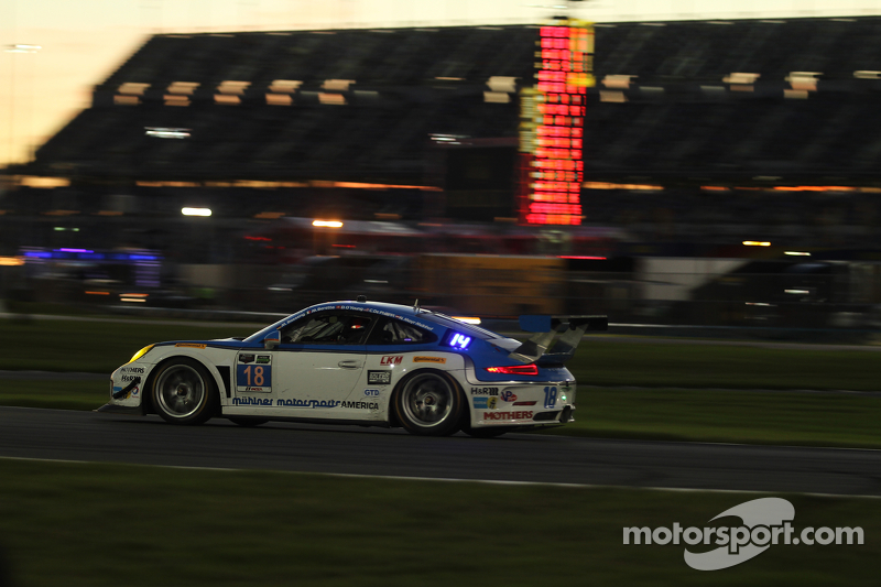 #18 Muehlner Motorsports America, Porsche 911 GT America: Marc Basseng, Michael Lira, Darryl O'Young, Connor de Phillippi, Niki Mayr-Melnhof