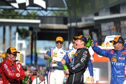 Podio: vincitori Jamie McMurray, Tony Kanaan e Scott Dixon, Chip Ganassi Racing
