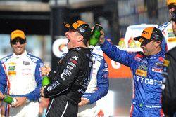 Podium: winnaars Jamie McMurray, Tony Kanaan, Chip Ganassi Racing