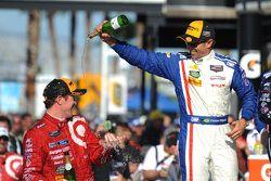 Pódio: segundo lugar: Christian Fittipaldi; vencedor: Scott Dixon