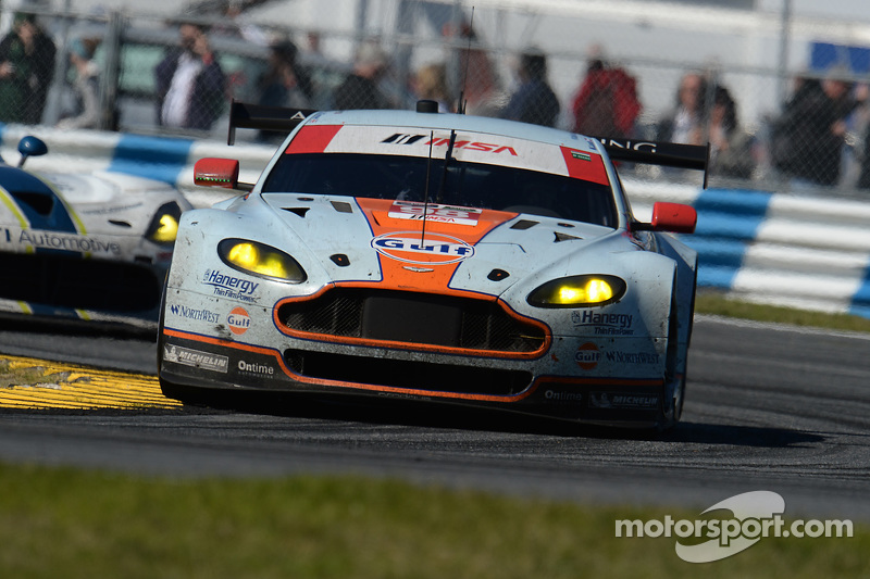#98 Aston Martin Racing, Vantage: Pedro Lamy, Darren Turner, Mathias Lauda, Paul Dalla Lana, Stefan Mücke