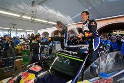 Los ganadores Sébastien Ogier y Julien Ingrassia, Volkswagen Polo WRC, del equipo Volkswagen Motorsp