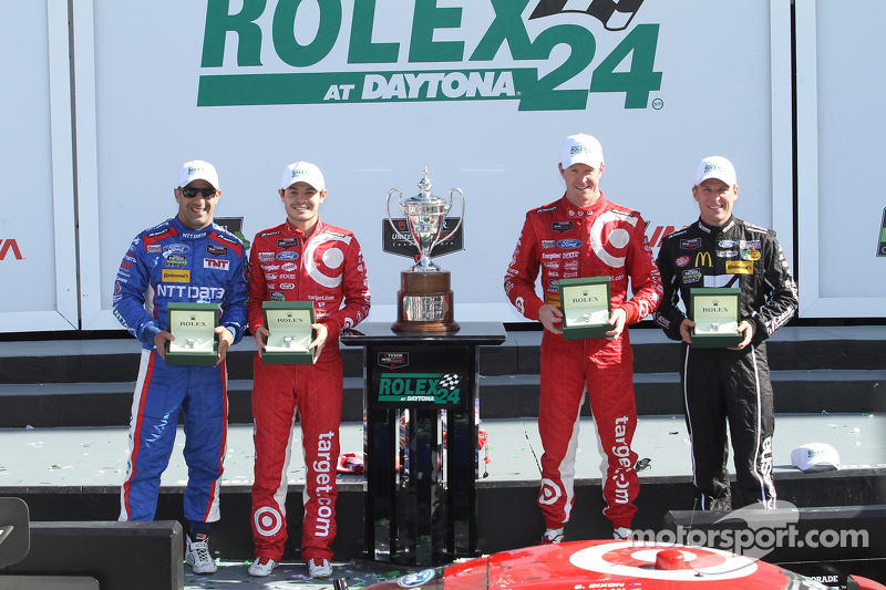 Podium: 1. Scott Dixon, Kyle Larson, Jamie McMurray, Tony Kanaan; Chip Ganassi Racing